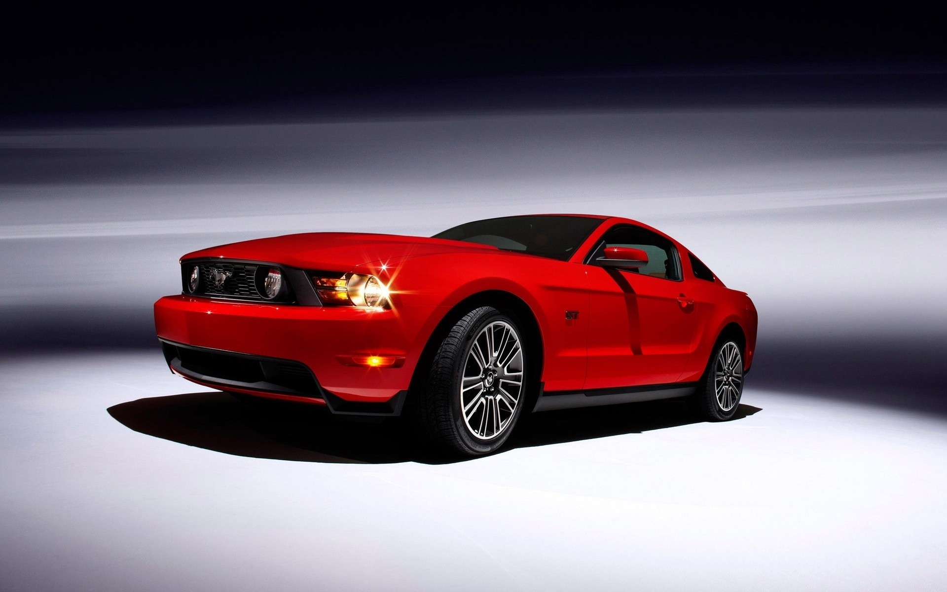 Ford Mustang купе 2010 года