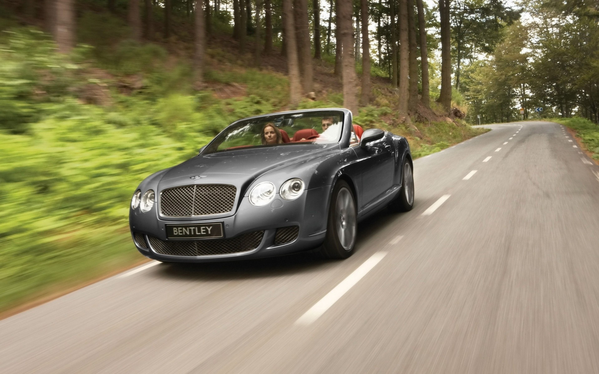 Bentley Continental GTC скорость 2009