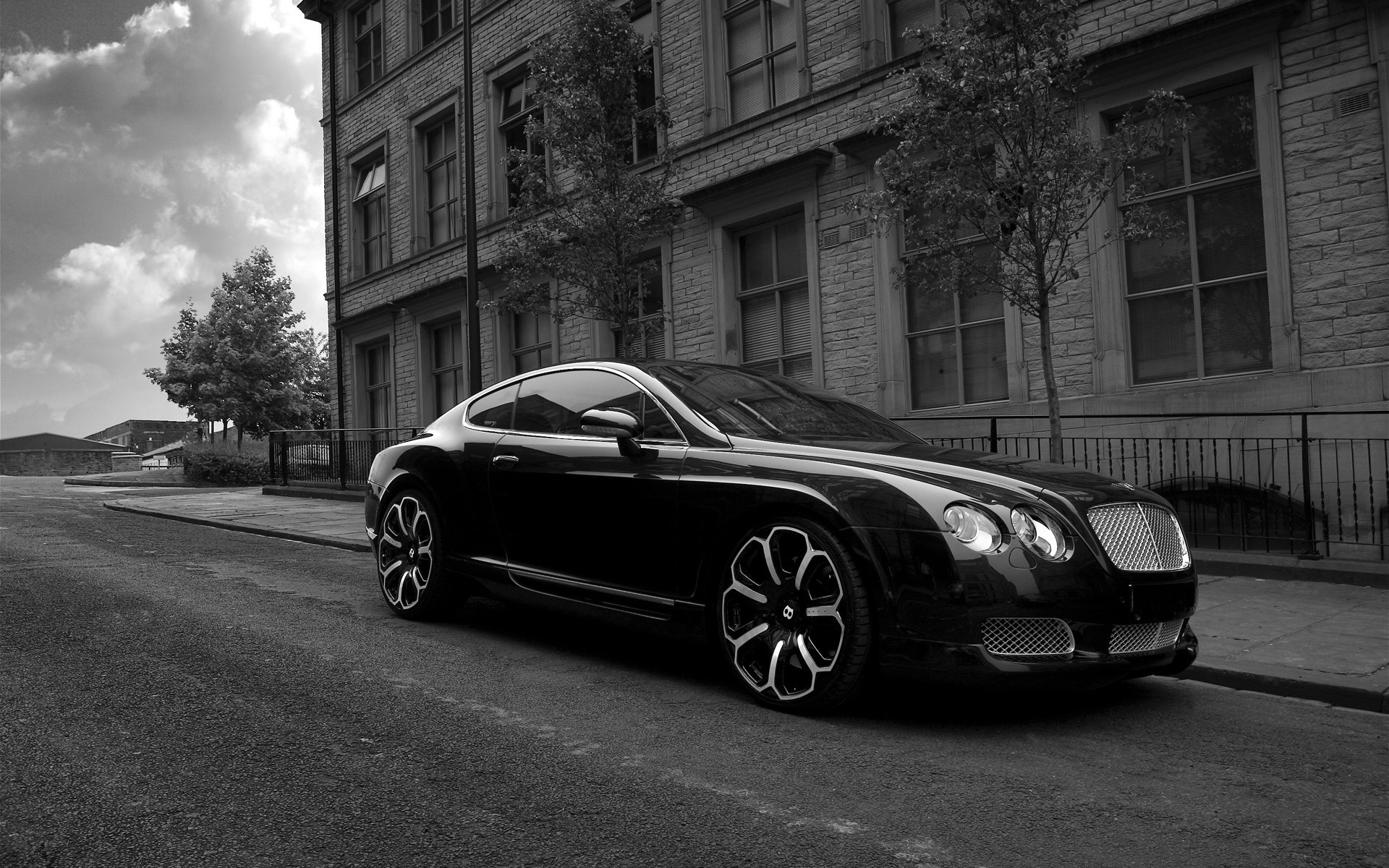 Bentley GTS Black Edition Project Kahn 2008 сторона