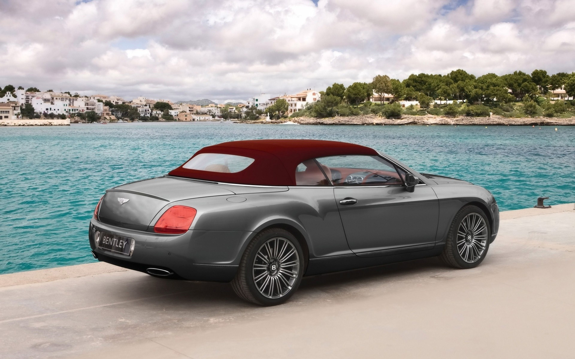 Bentley Continental GTC 2009 года