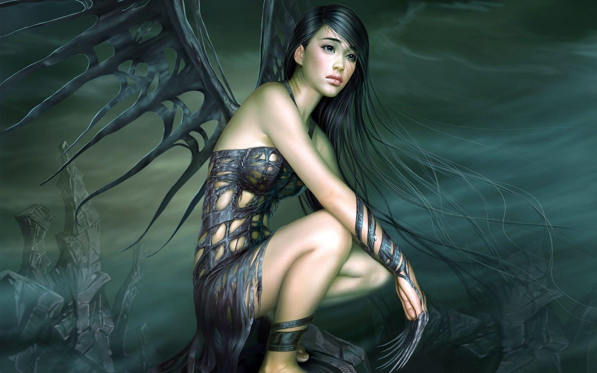 Сексуальные девушки с чёрными крыльями