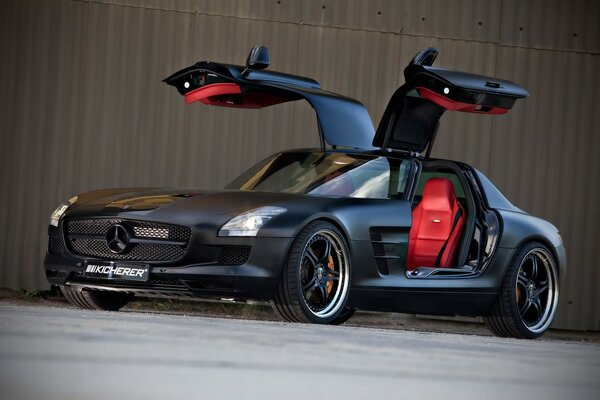 Kicherer Mercedes Benz SLS