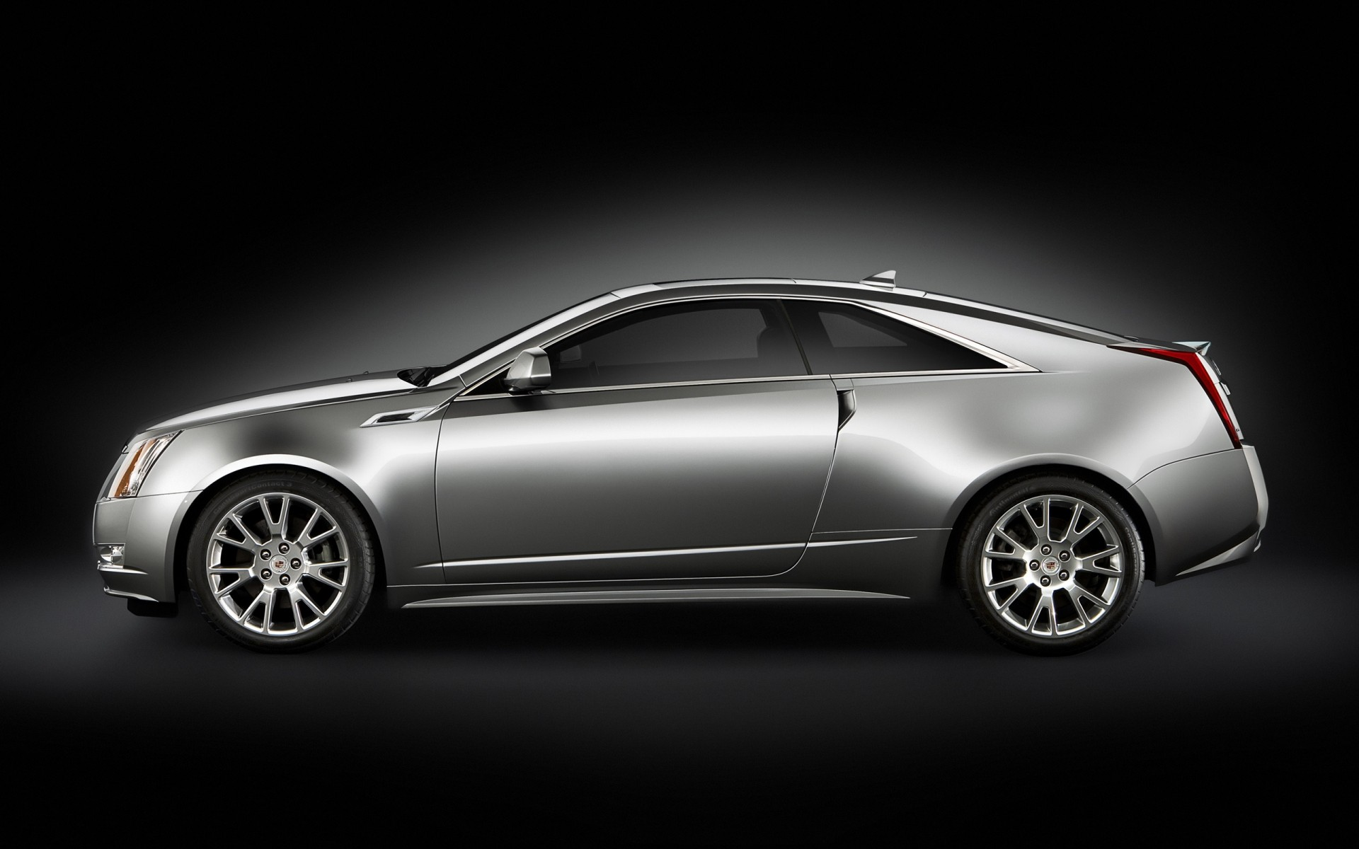 Cadillac CTS Coupe сторона