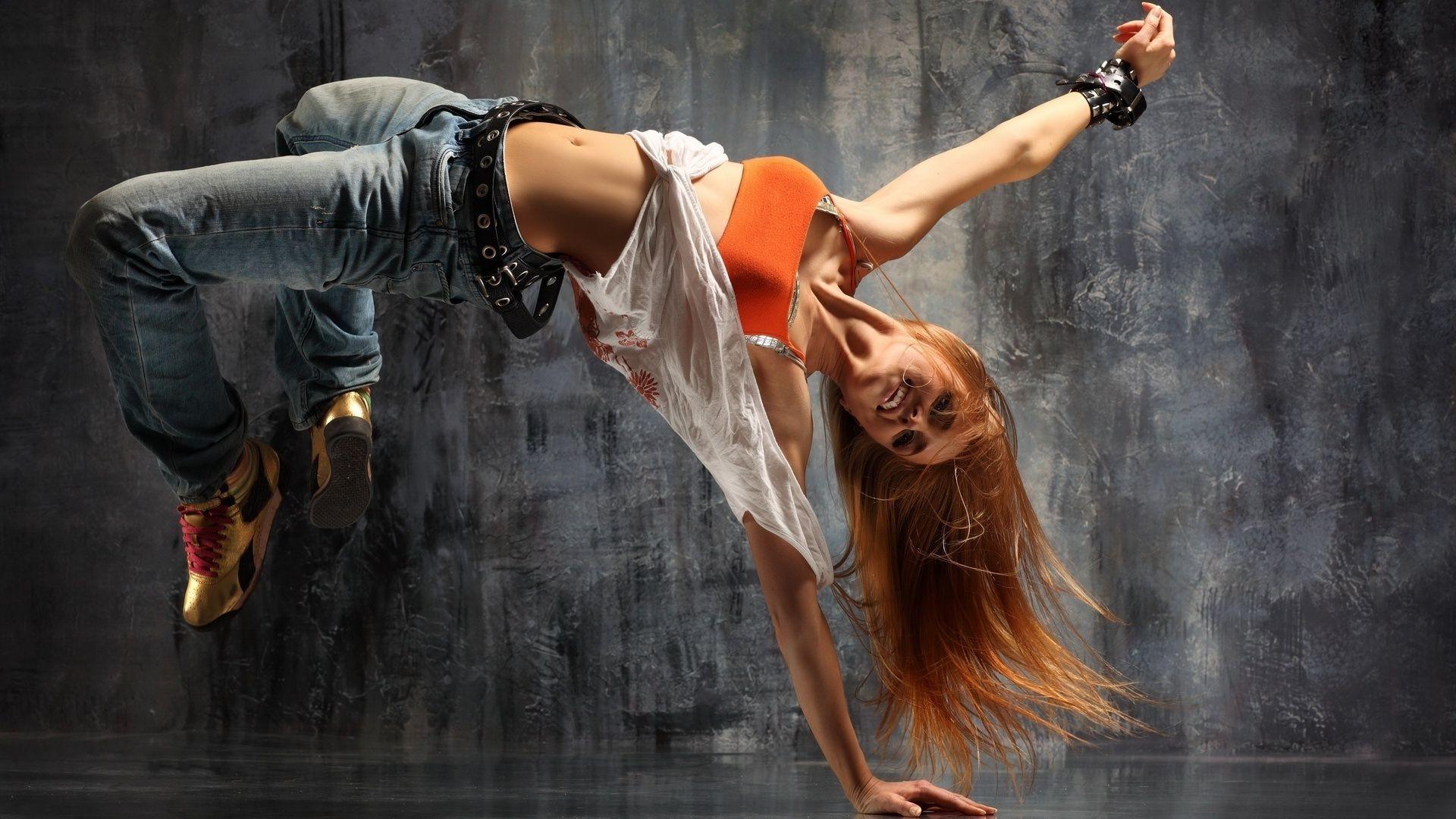 Смотреть танцы красивых девушек 5 фотография