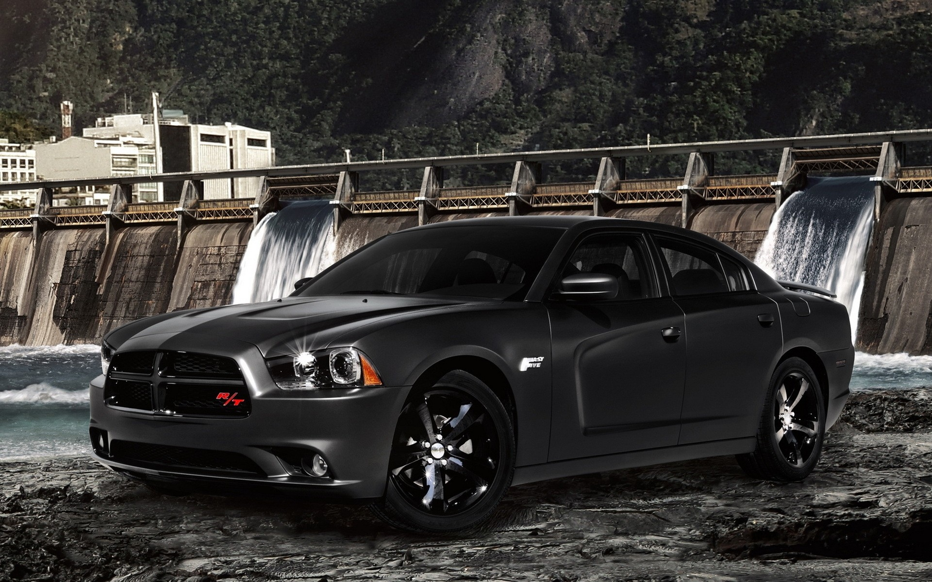 Dodge Charger RT быстро пять