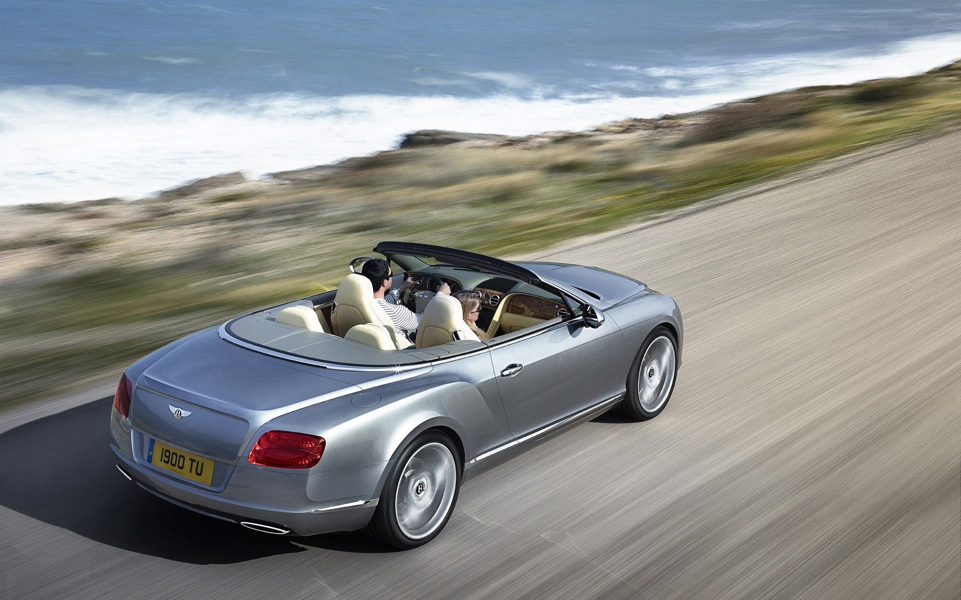 Bentley Continental GTC скорость