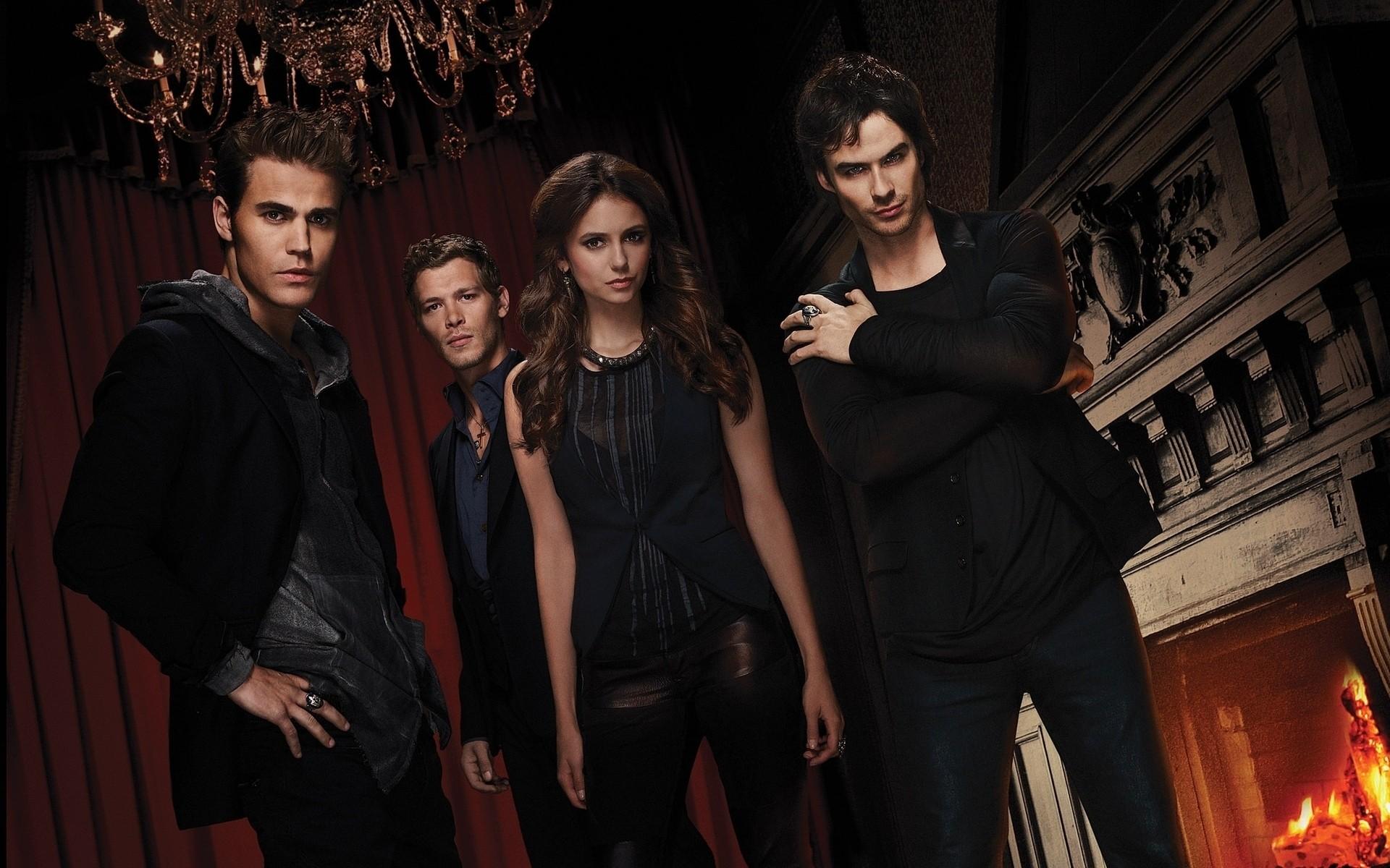 serie parlotte vampire diaries