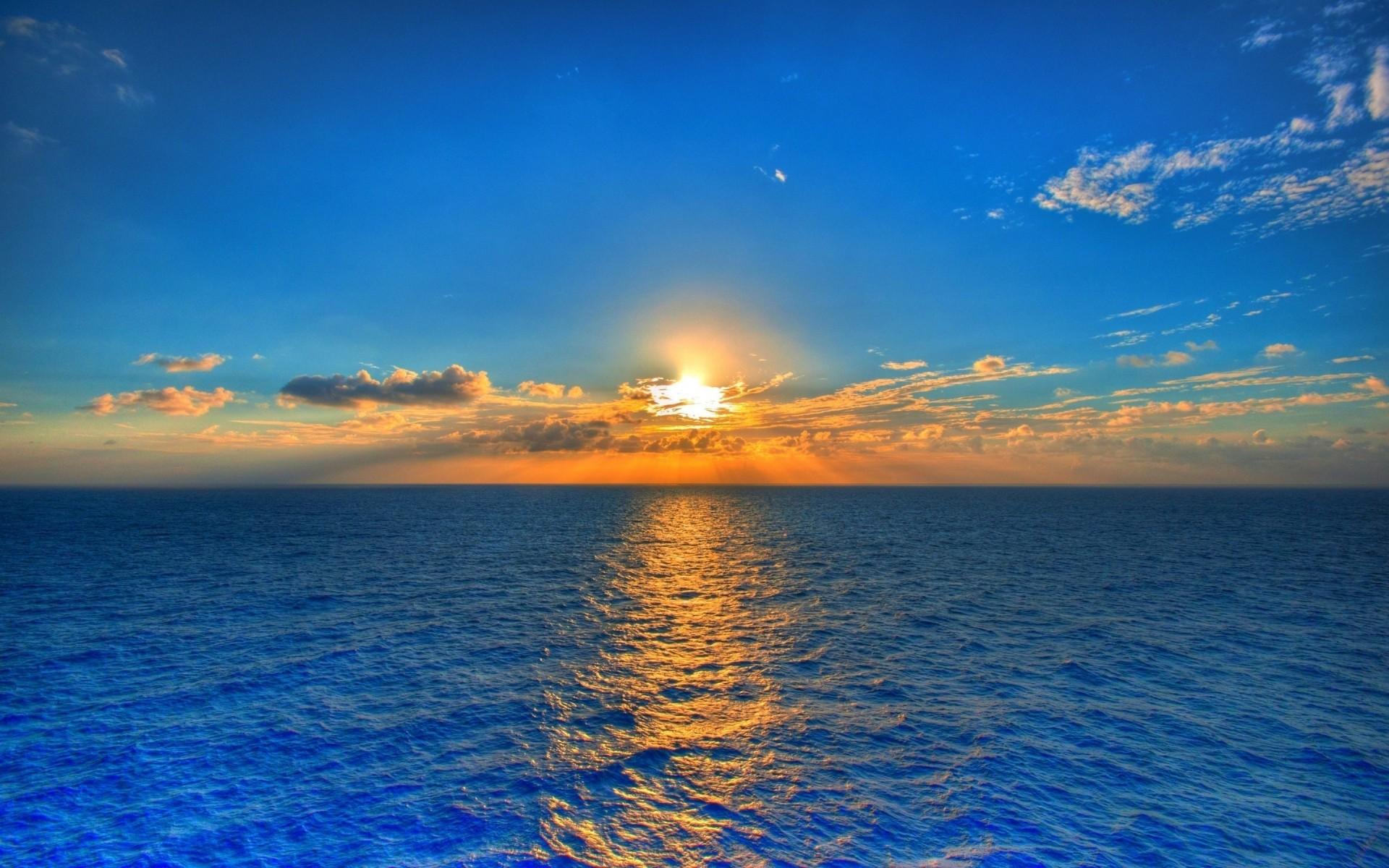 sun and paradise blue sky #istanbul #turkey #trip #travel #colors #blue #sky #clouds #hotel #radissonblu #architecture #beauty #modern #building #autumn #october #vsco #vscocam #vscotravel bula #neverleaving @radissonbluresortfiji #holidays #fiji #paradise #raddisonblu @brisbanecitygal.