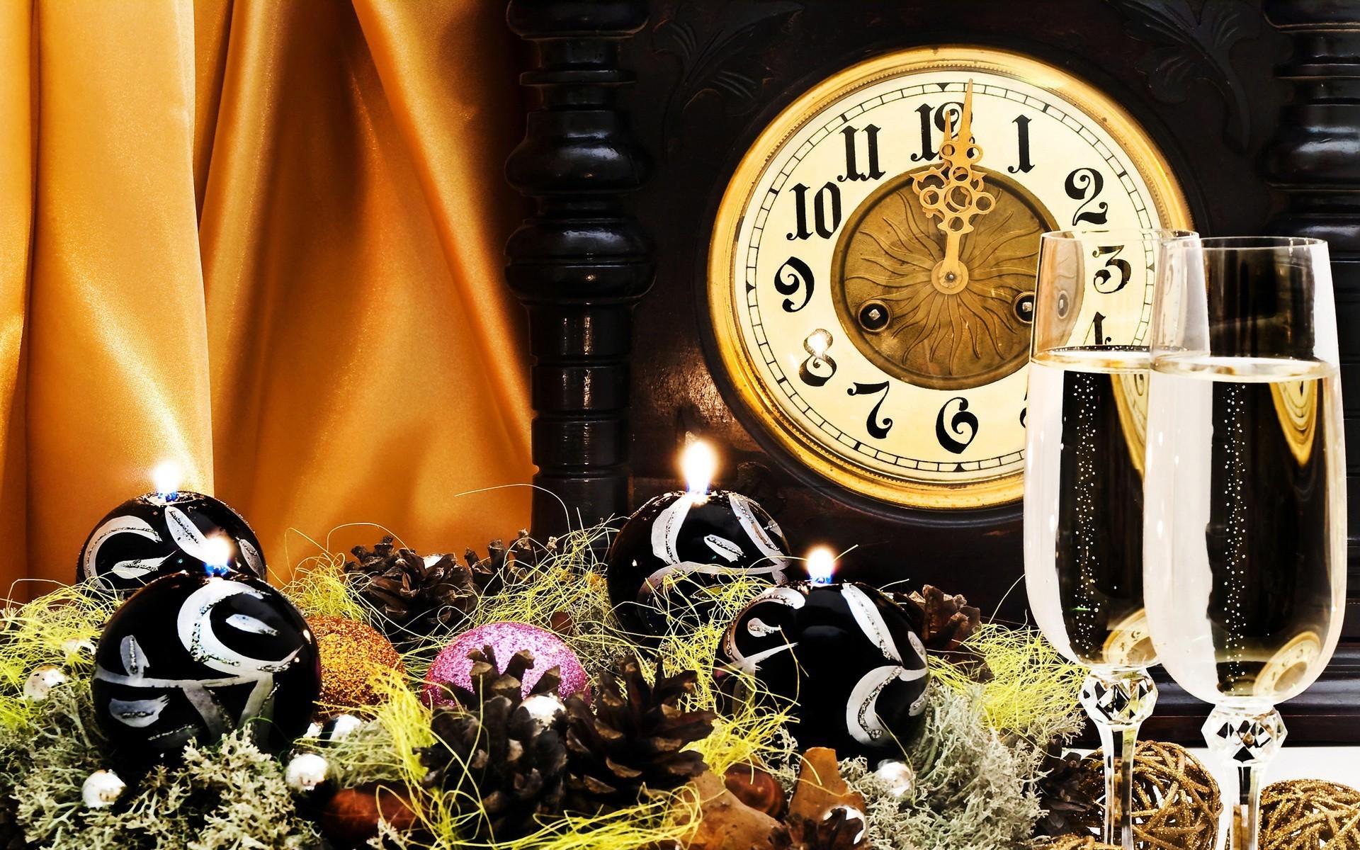 часы игрушки подарки снежинки  № 2647466  скачать