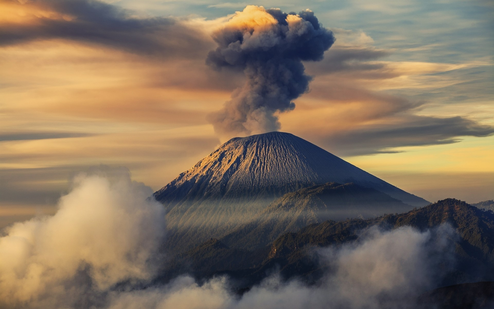 volcanoes Some of the volcanoes that currently show signs of unrest may simply calm down without eruption, while others may enter a phase of eruption in the months to come.