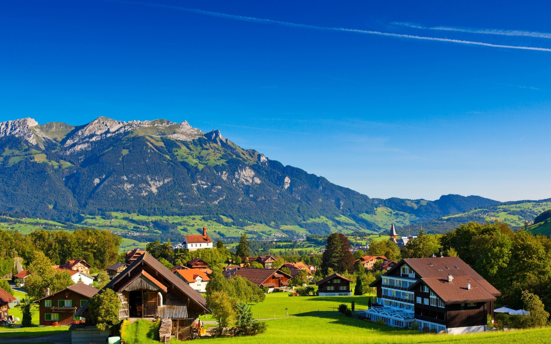 которым обои на рабочий стол альпийская деревня новые