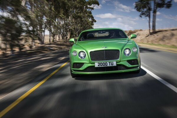 2015 Bentley Continental GT скорость