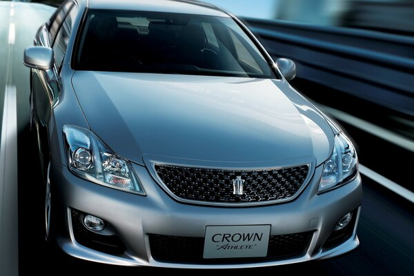 Toyota Crown athlette