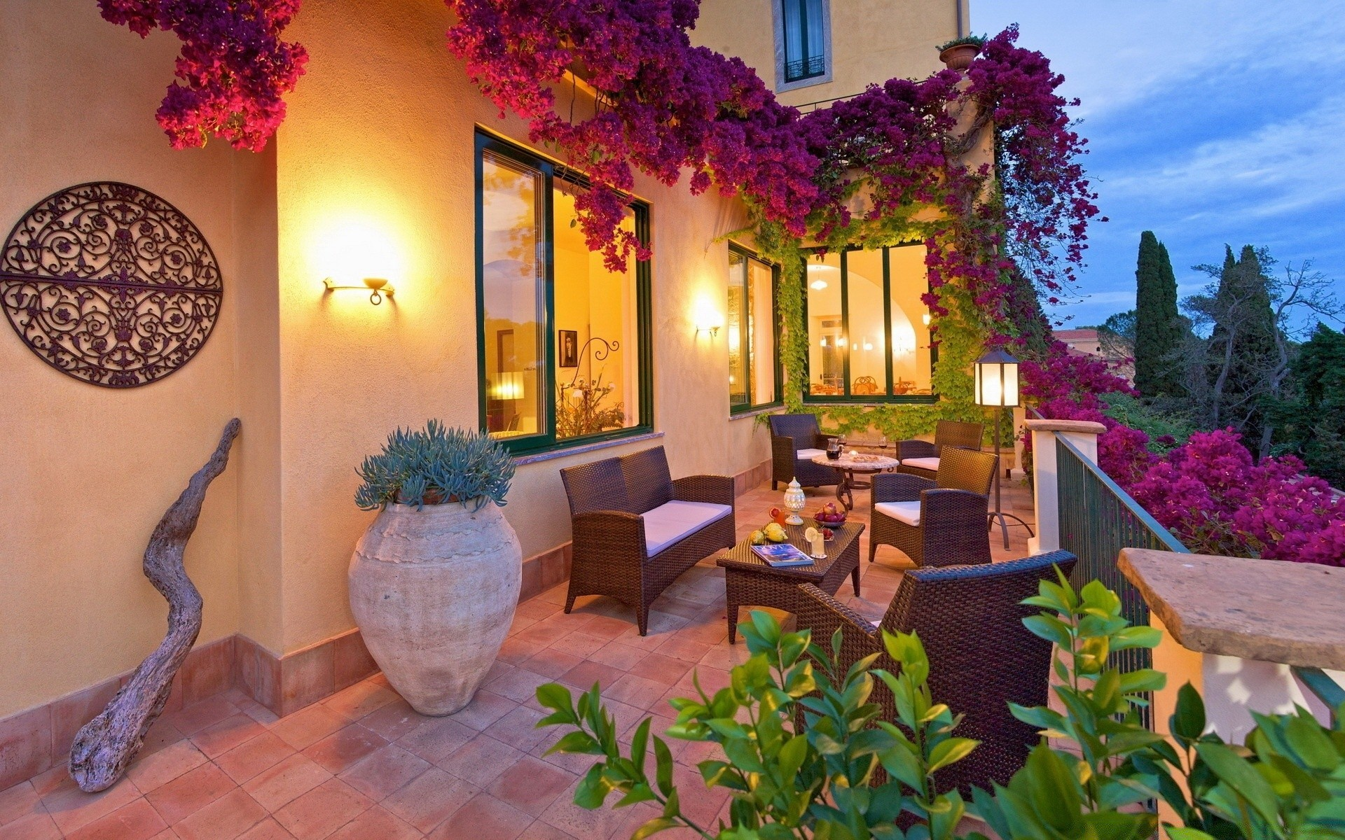 Buy an apartment in Taormina cheaply on the shore