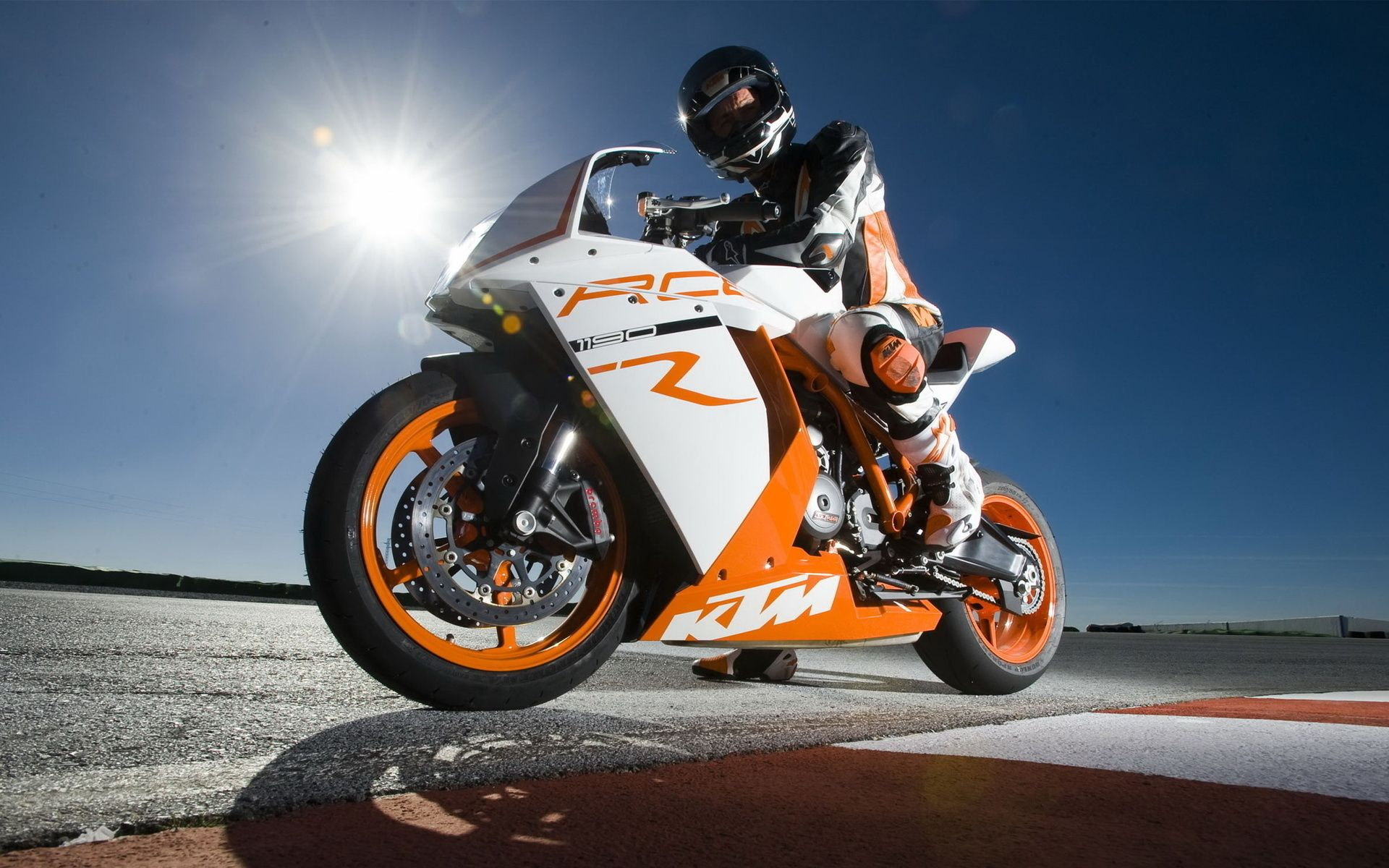 симптоматика имеет фото мотоциклов спортивных на рабочий стол можно сделать подручных