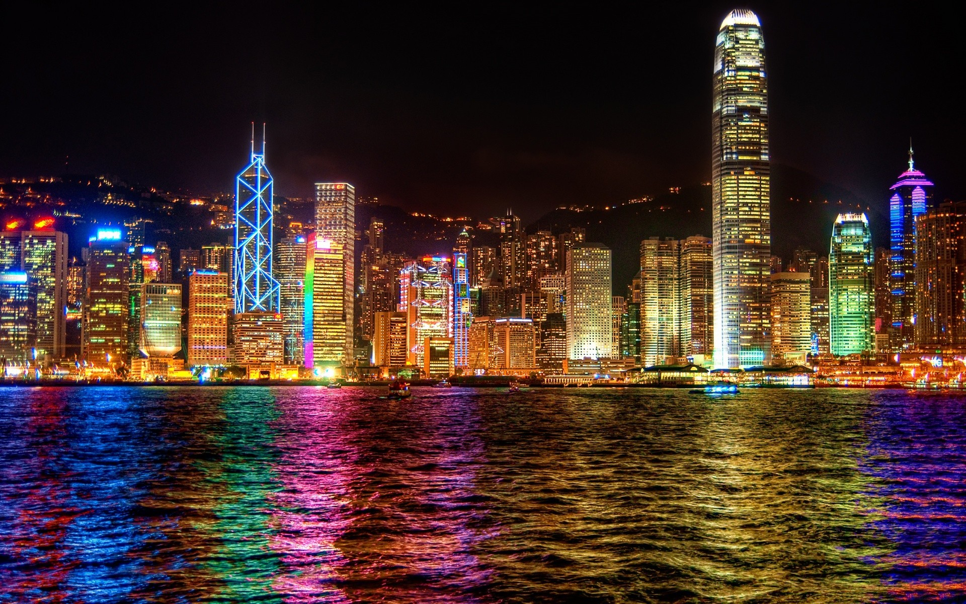 Hong leong
