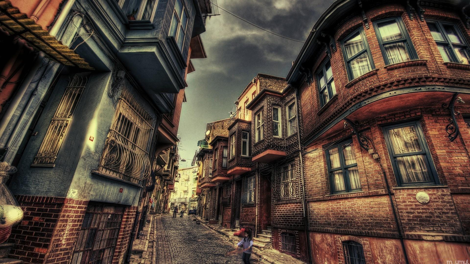 картинка старинного города в коричневых тонах на обои можно