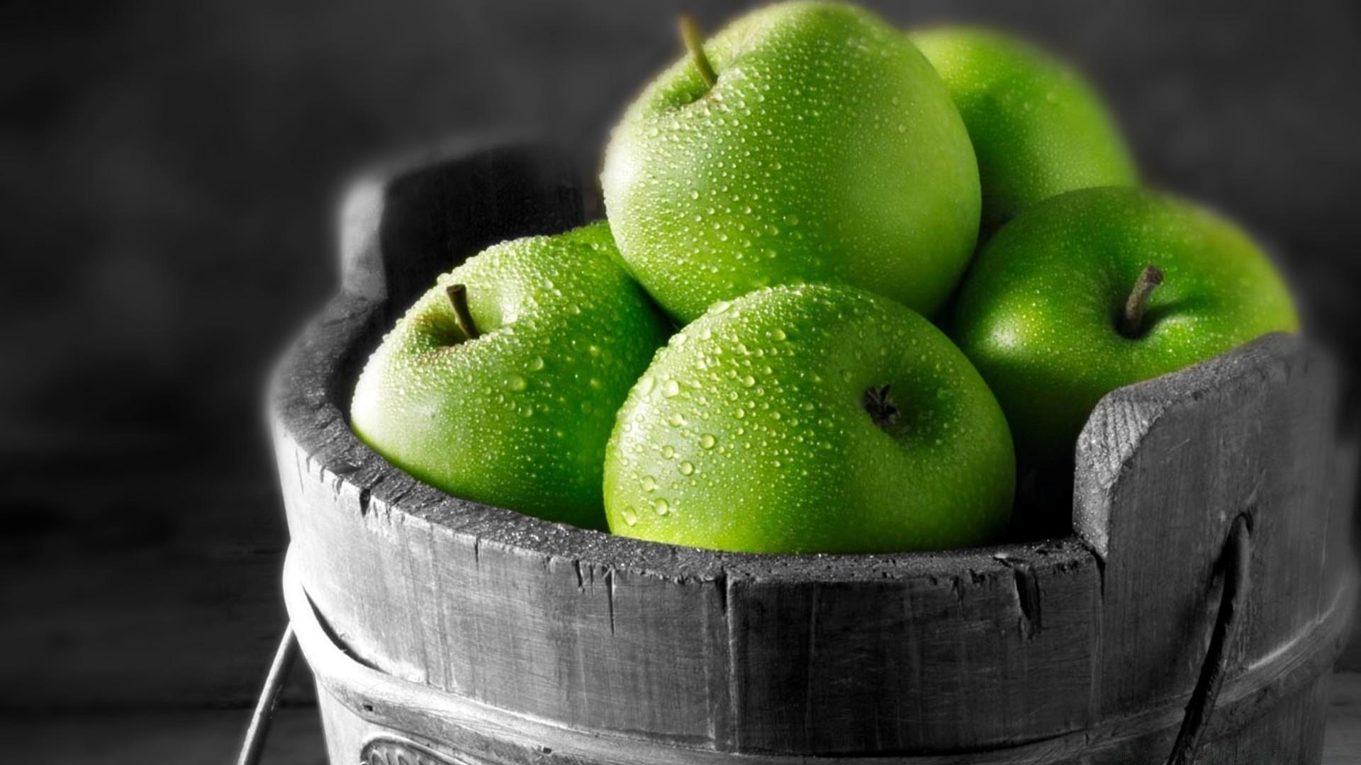 Обои на рабочий стол зеленое яблоко