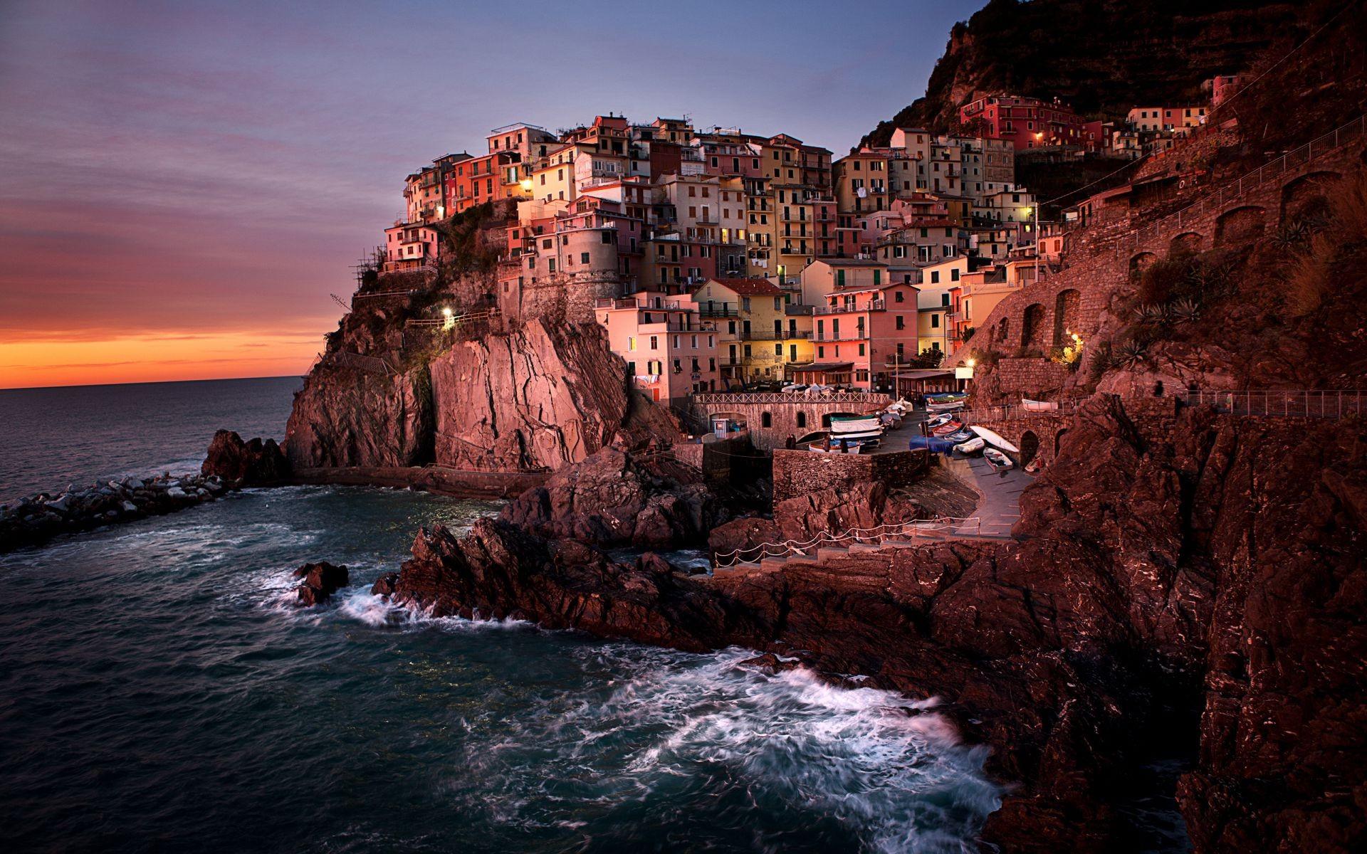 Обои скалы, дома, волны, посёлок. Города foto 6