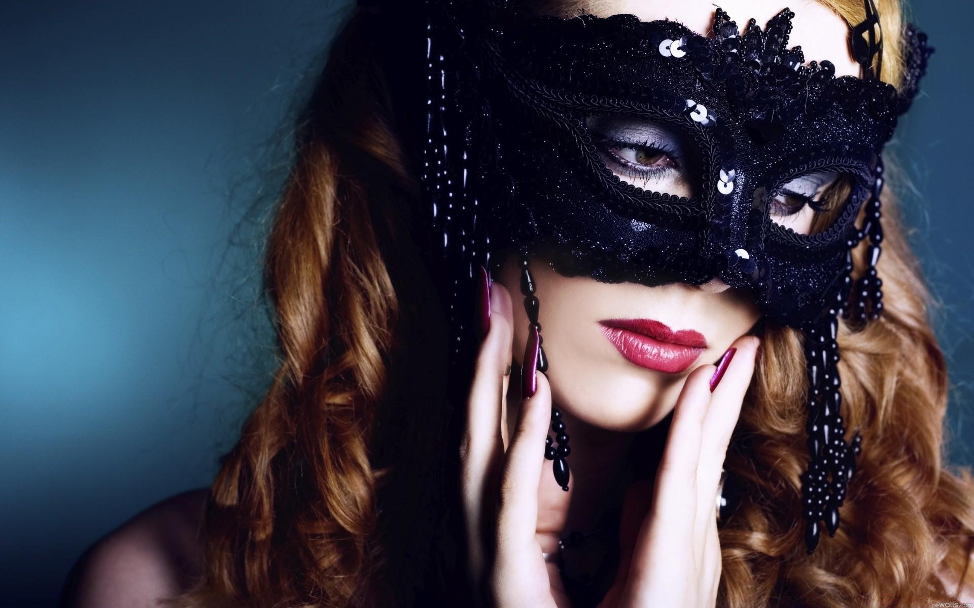 Картинки девушка загадка в маске