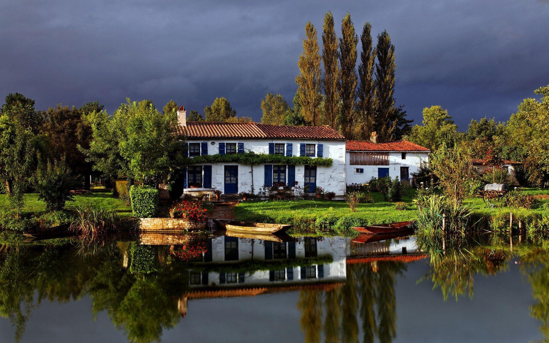 домик на берегу озера без смс