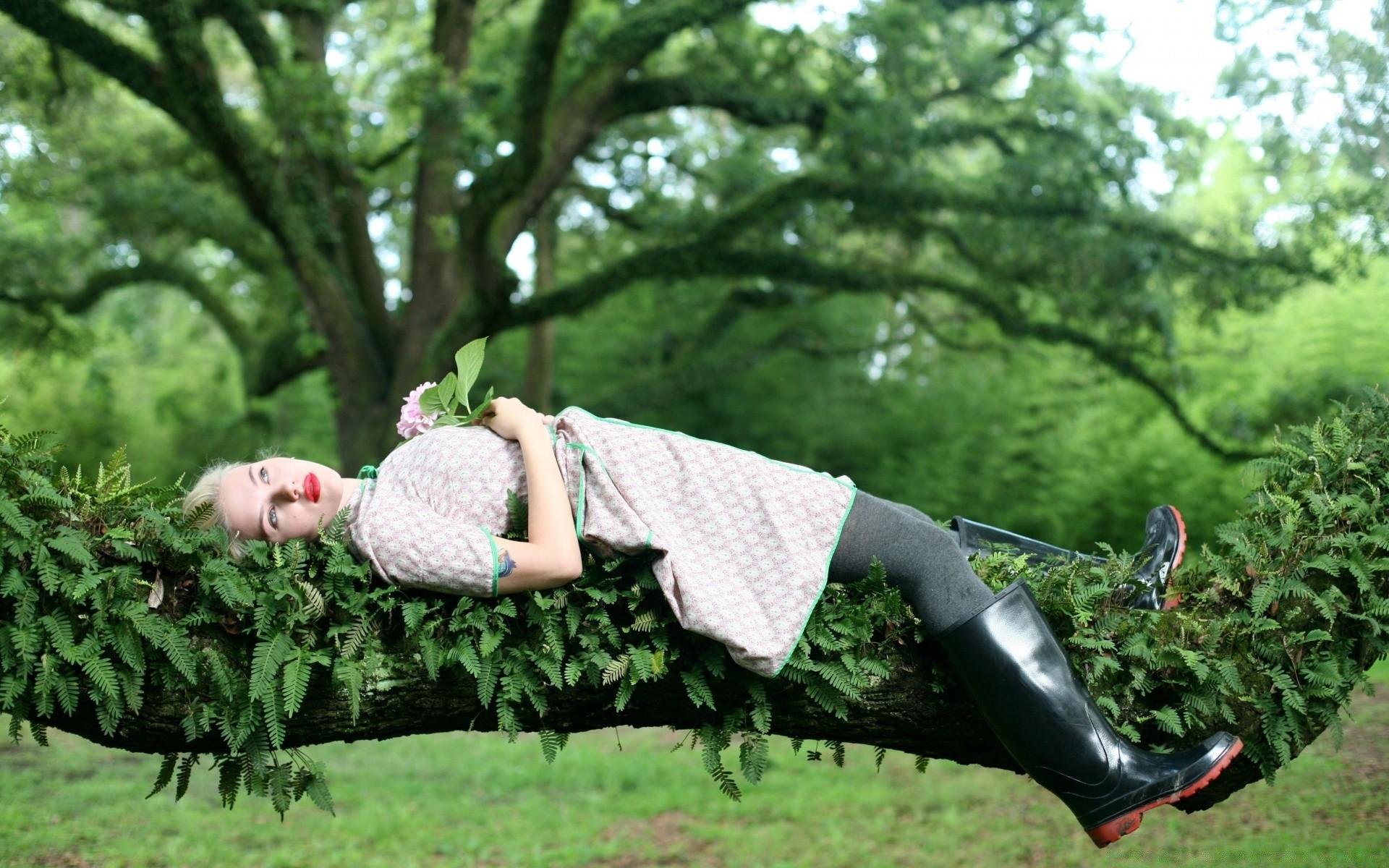 Фото девушек в резиновых сапогах