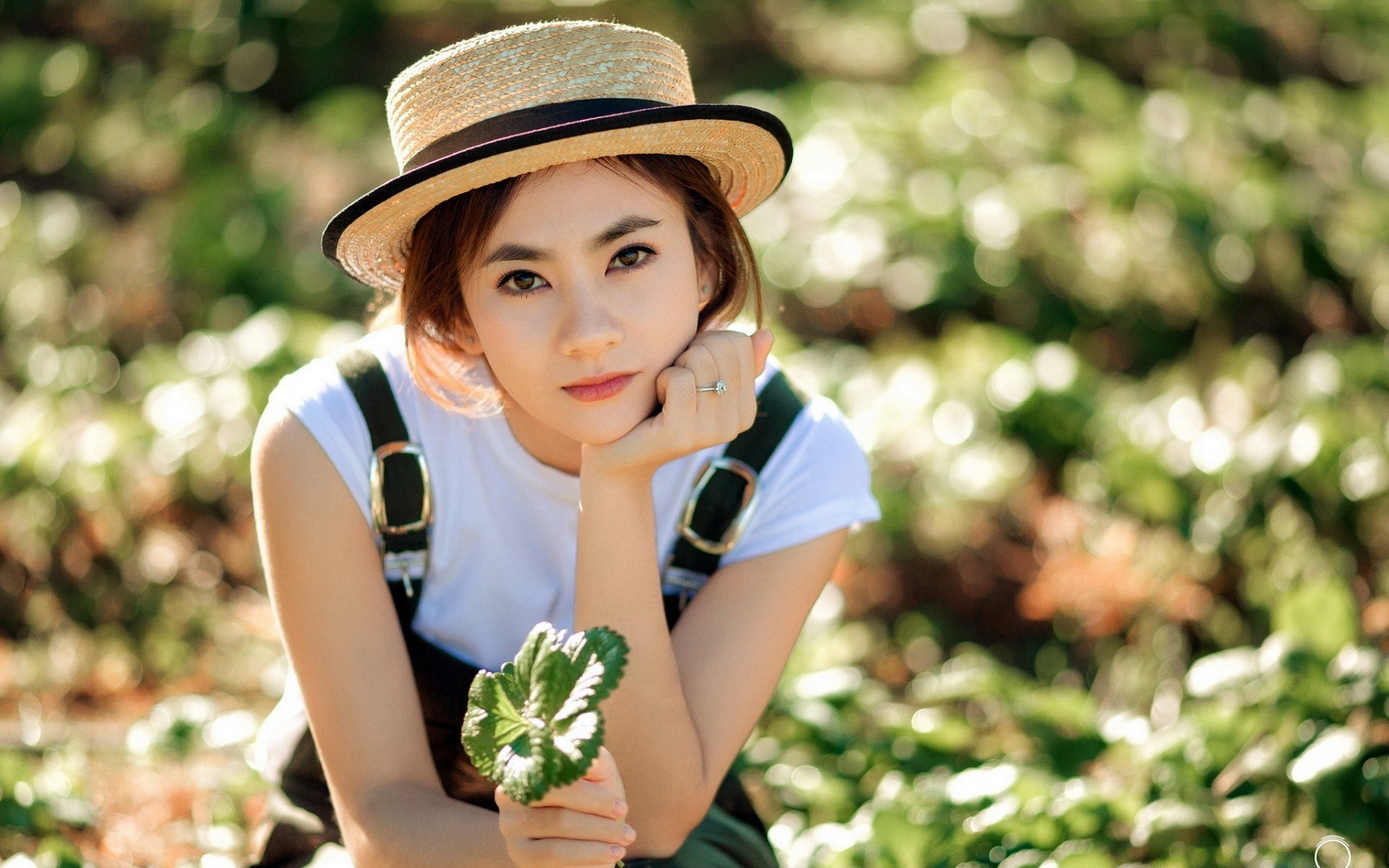 green road single asian girls Dating asian women is a little different from dating western women yes, the initial game is much the same, but if you are planning to take it to the next level and get involved there are some things you need to be prepared for.
