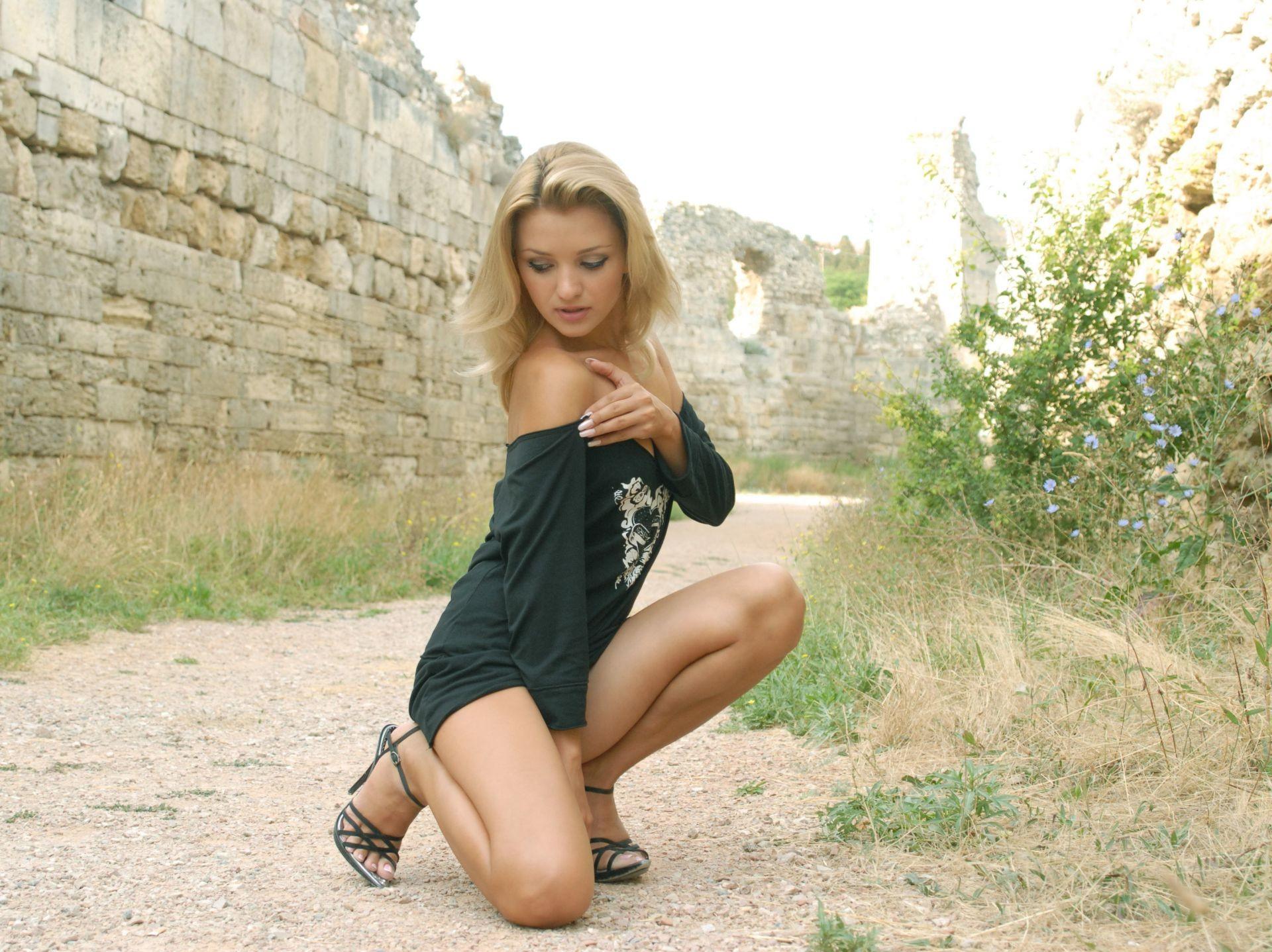 Фото русских блядей на природе, Трах на природе и частные обнаженные фото - секс 19 фотография