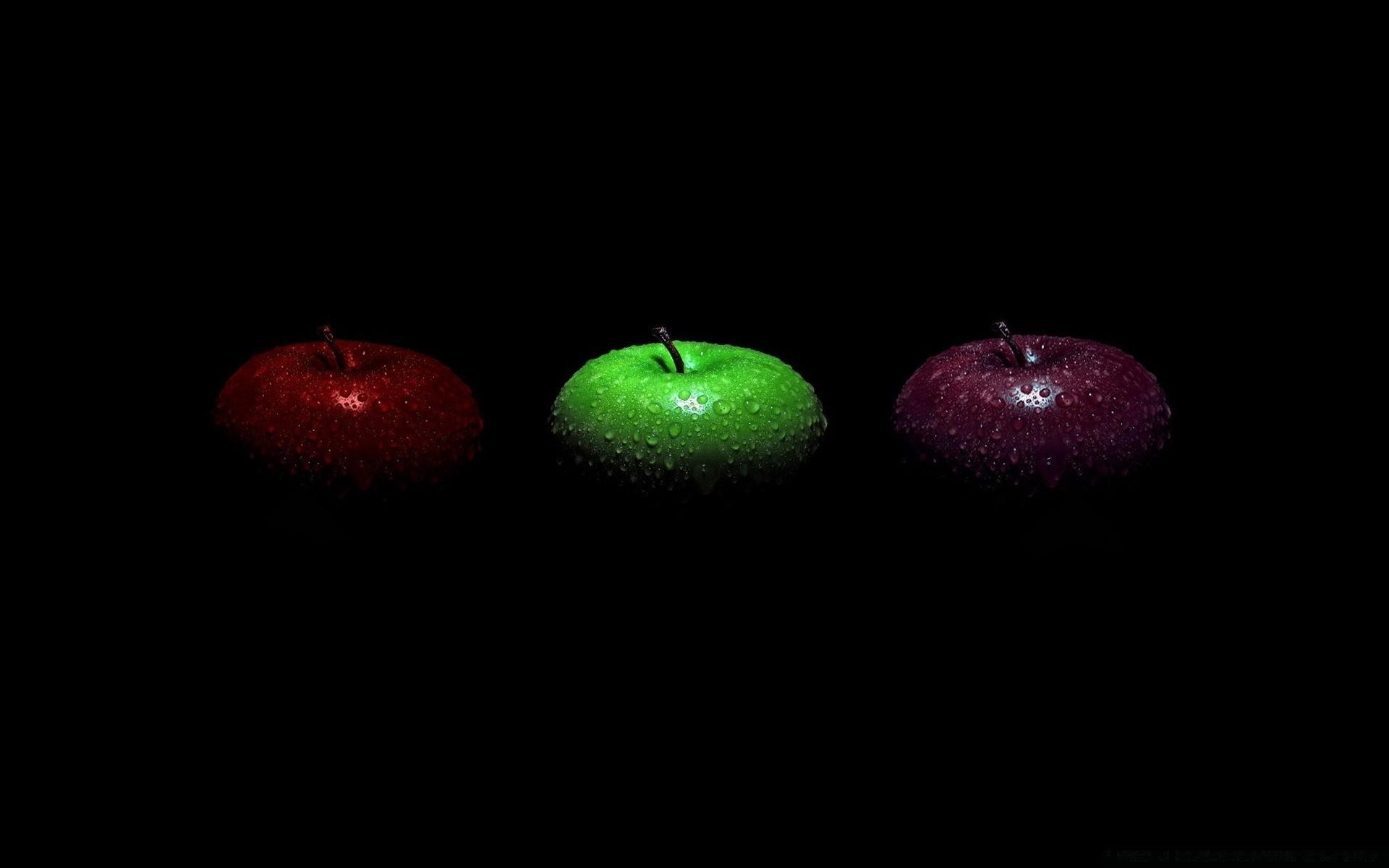 Обои на рабочий стол хрустальные яблоки