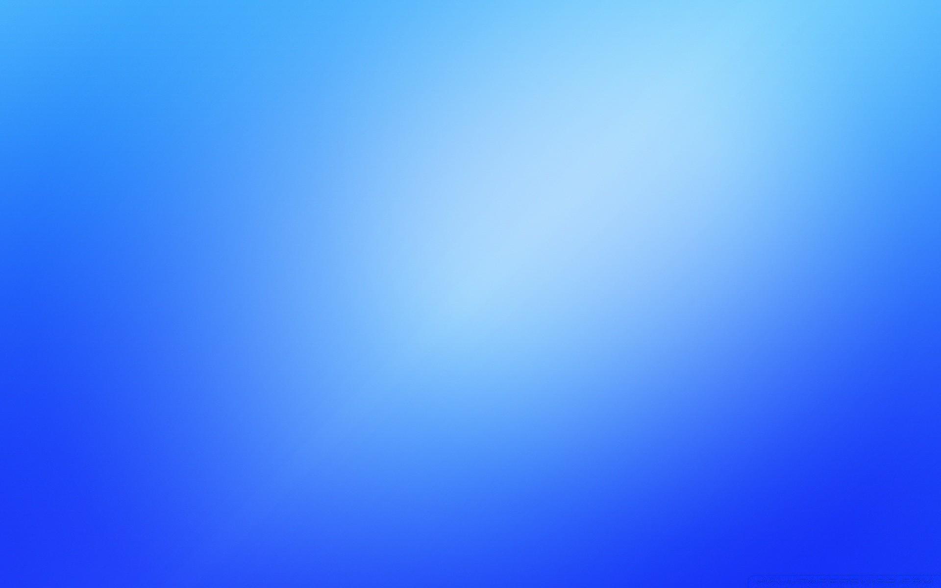 Размытые синий фон я - обои на телефон бесплатно.