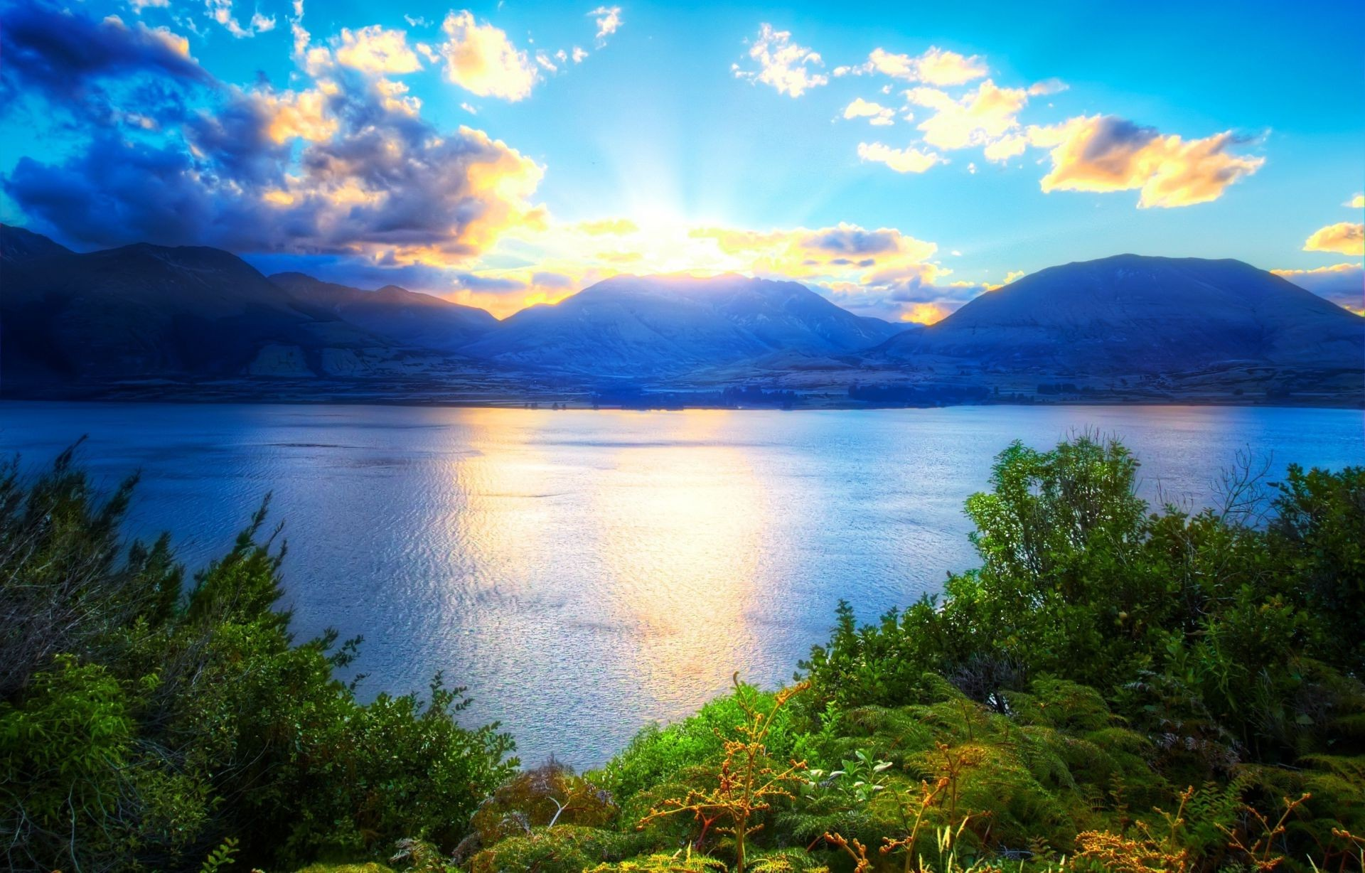 горы рассвет деревья вода  № 3850810 бесплатно