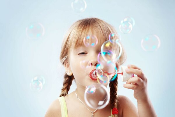 bubbles children милой девочкой Cute little girl childho