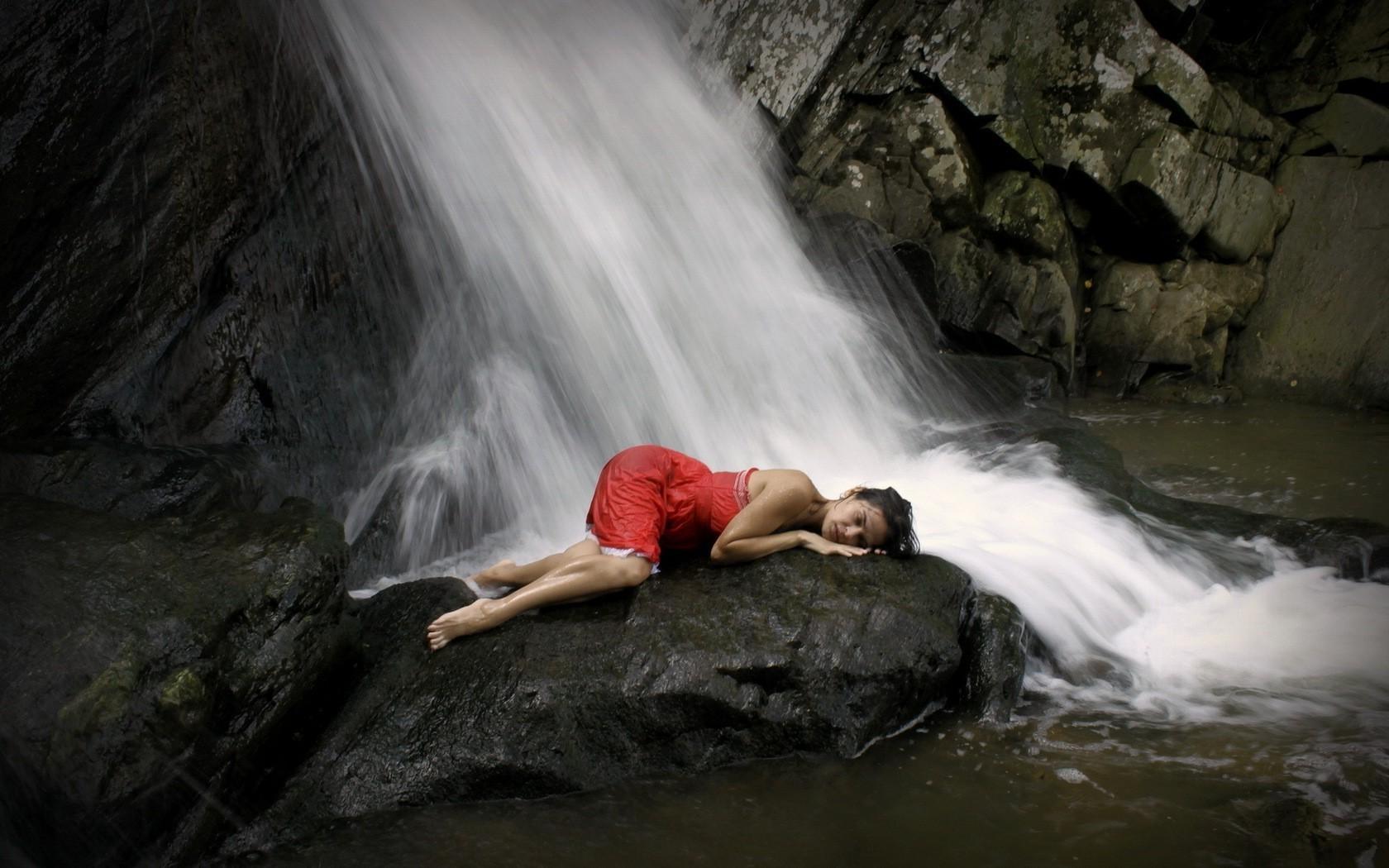 Waterfall Girls Naked - Galeries Porno-9932
