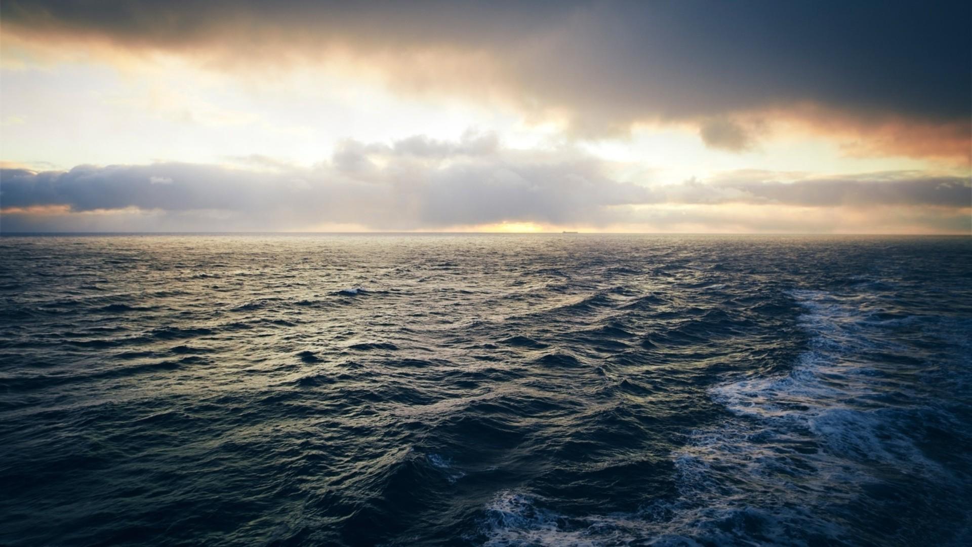 море перед бурей  № 3112499 загрузить