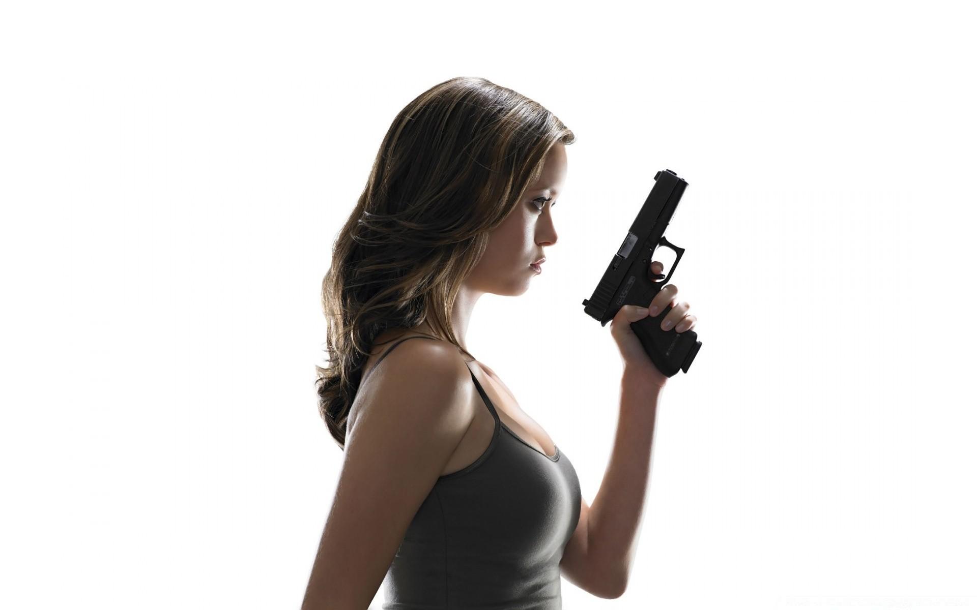 Картинки, картинки девушки с пистолетом с надписями