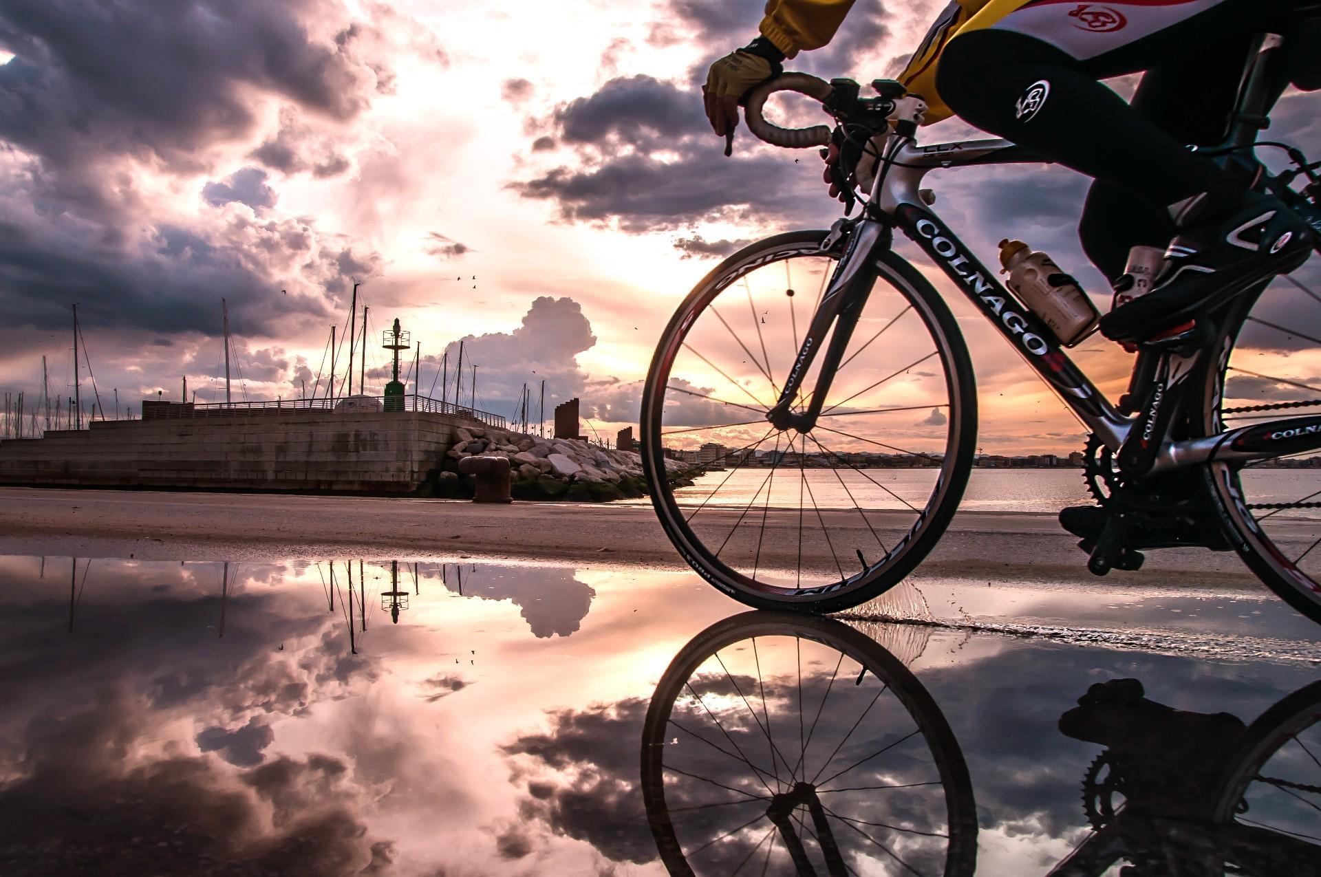 люди велосипедист в картинках на рабочий стол они