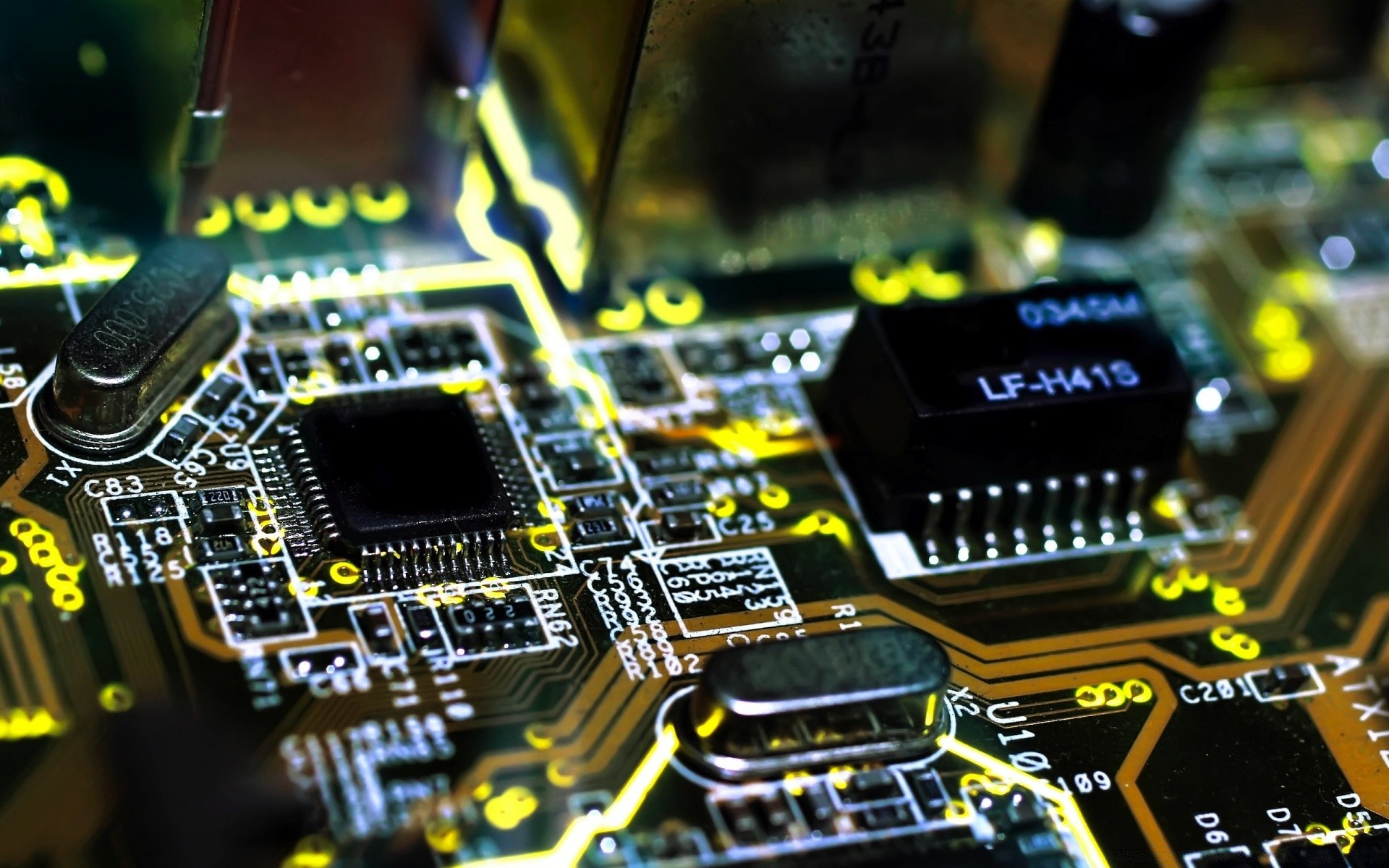 integrated circuit technology An integrated circuit, commonly referred to as an ic, is a microscopic array of electronic circuits at the time, transistors and printed circuit boards were the state-of-the-art electronic technology.