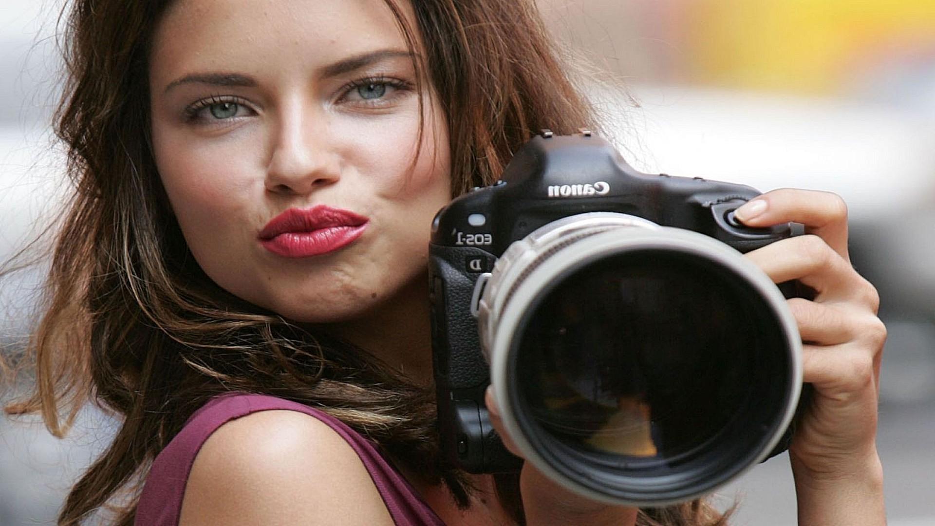 фотообои девушек бесплатно: