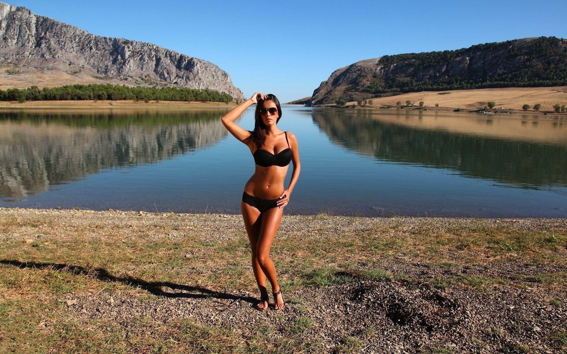 фото частных девок с озер