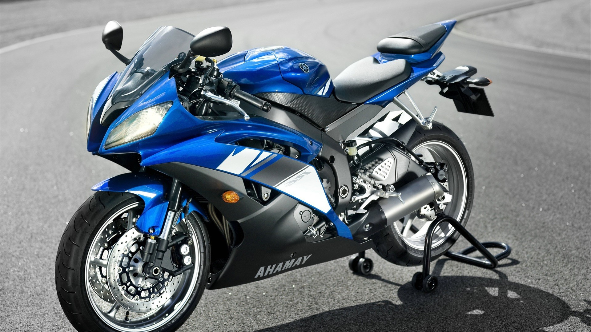 спортбайк мотоцикл Yamaha FZ-10 онлайн