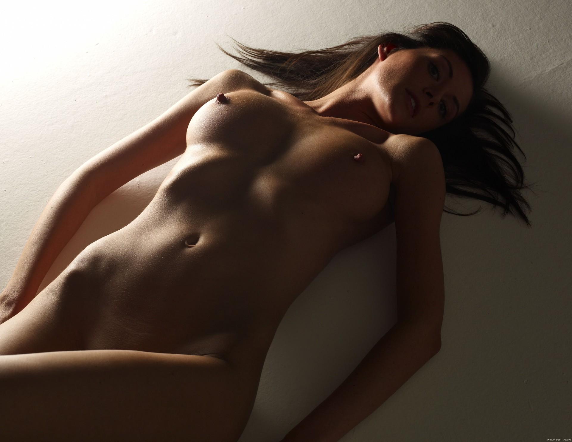 фото голые со спины: