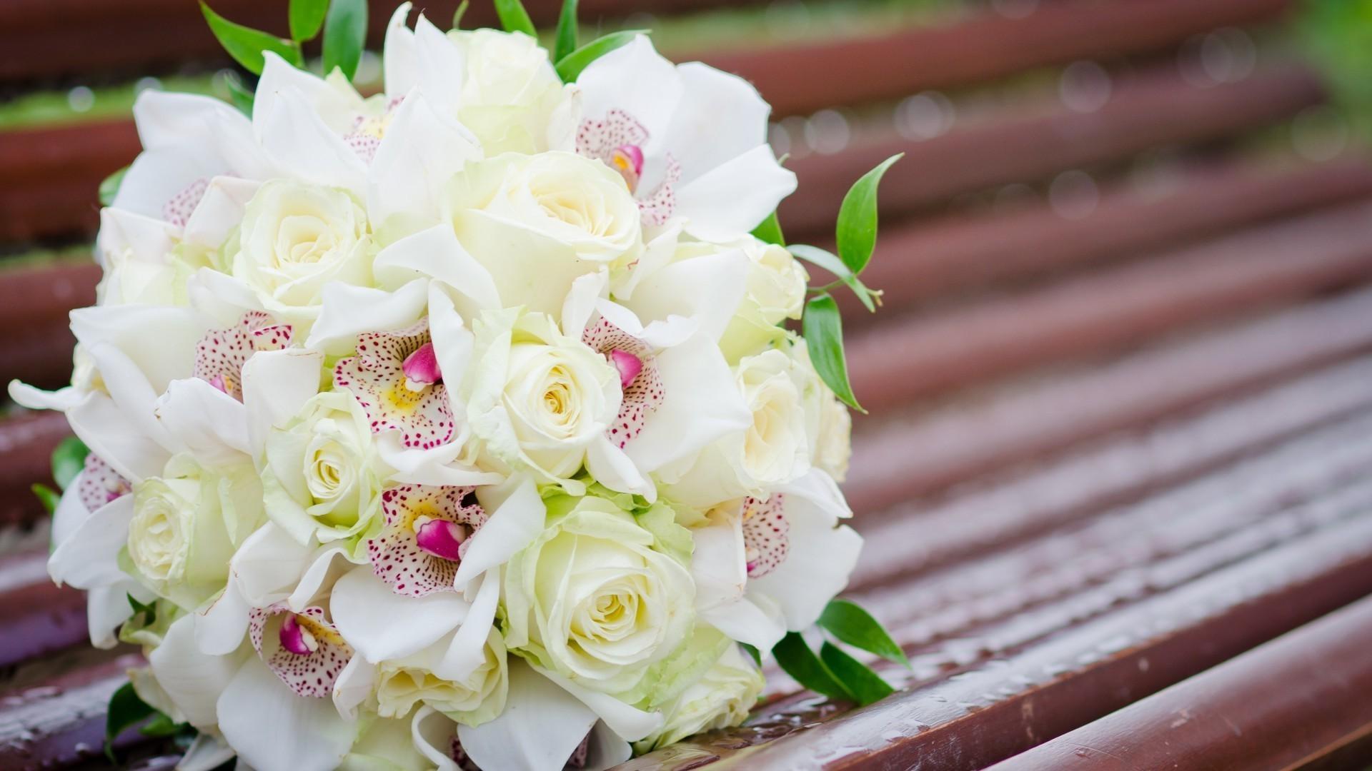 Букет белых роз скачать обои на