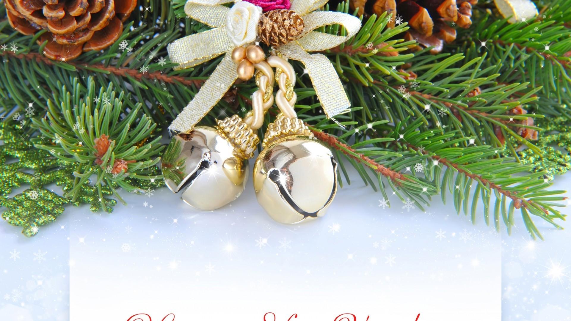 новый год,корзинки,игрушки,хвойные лапы,шишки  № 639635 бесплатно