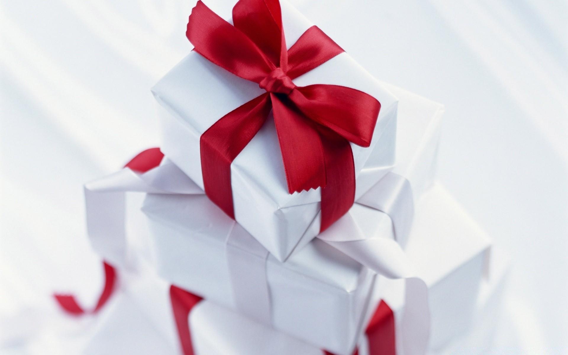 Открытки с подарками ко дню рождения