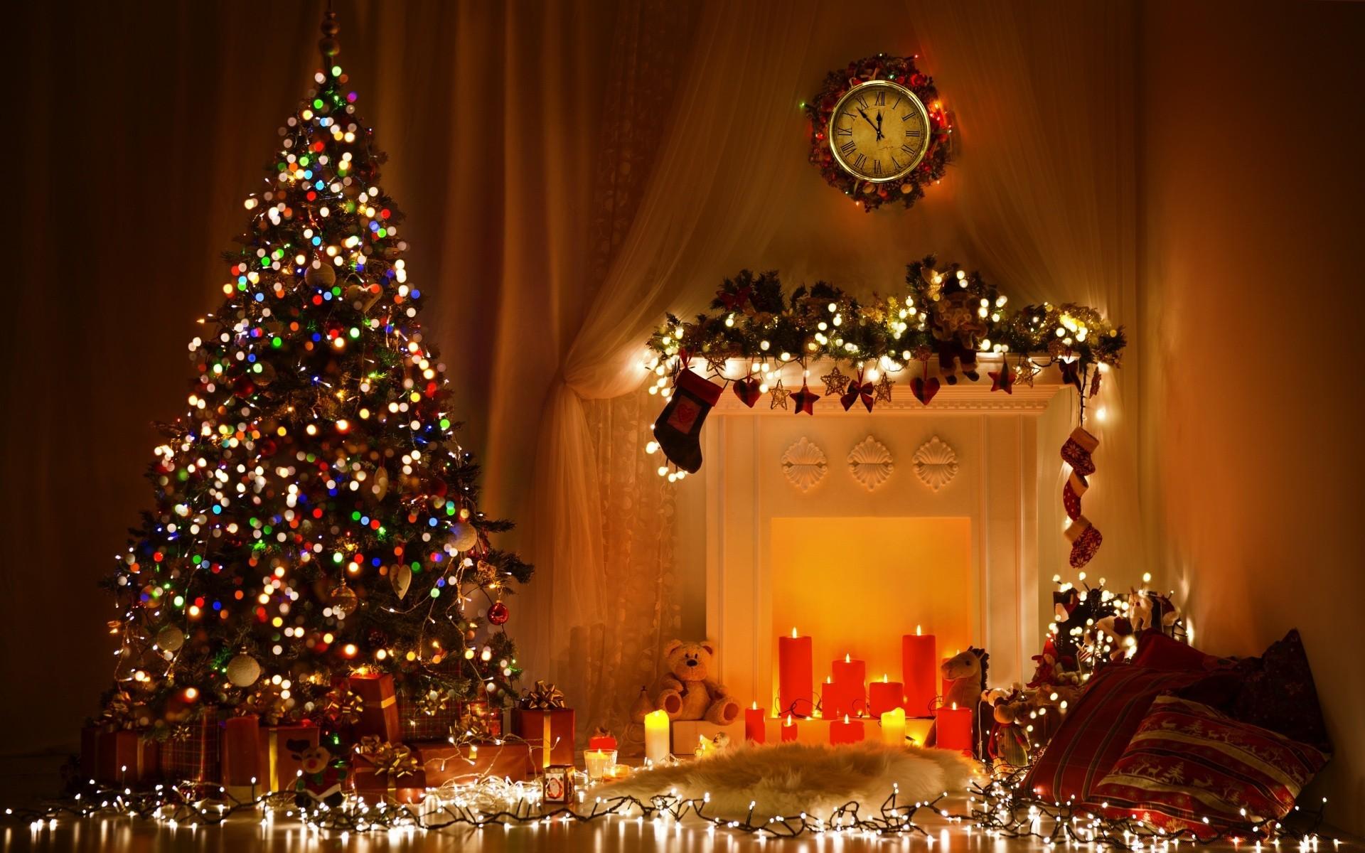 Новогодние обои на рабочий стол с елками