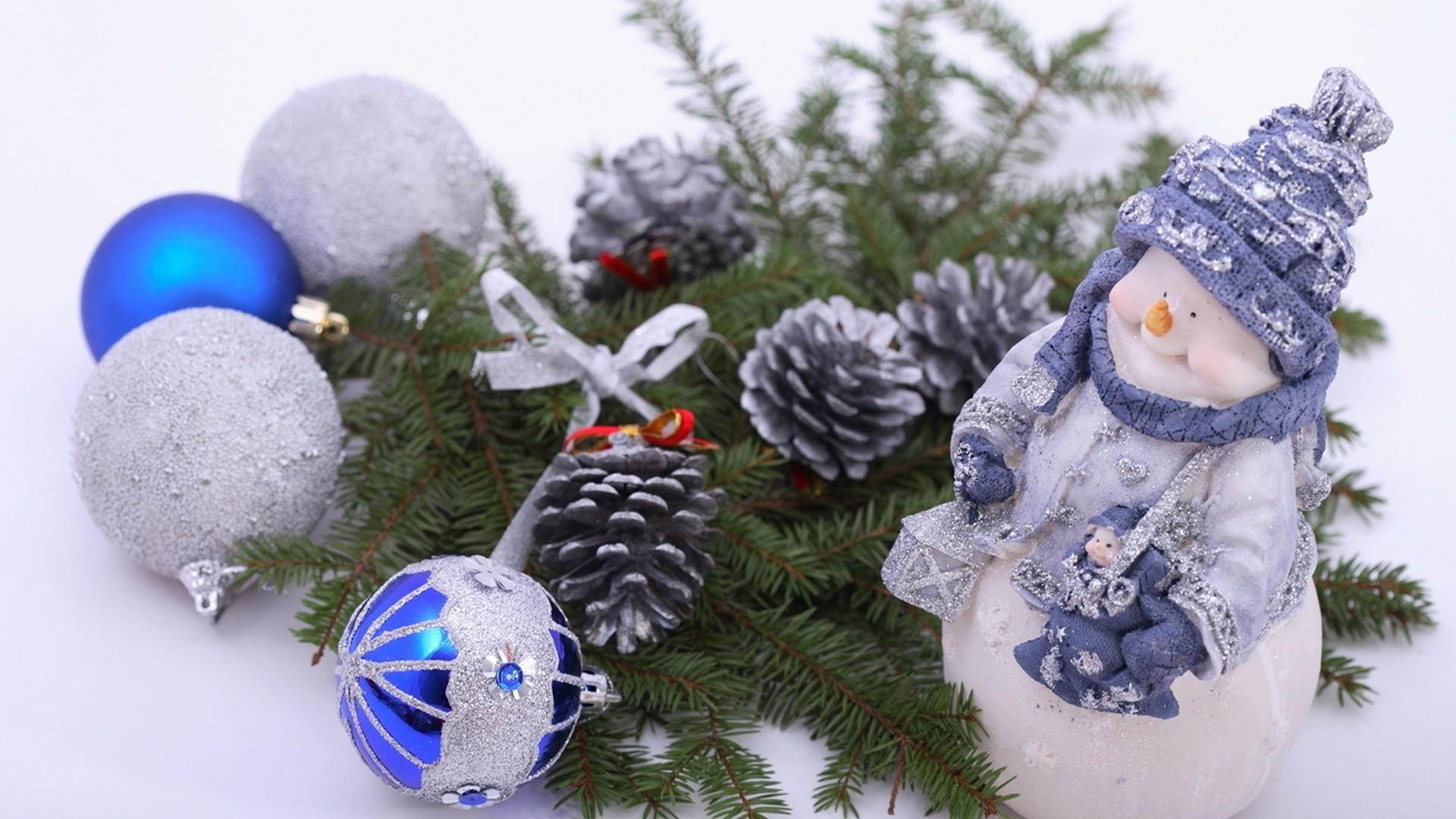 Новогодние обои снеговики на рабочий стол