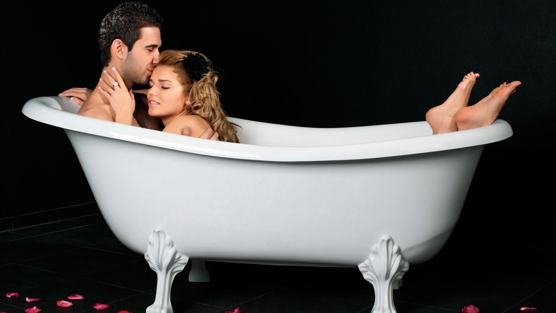 женщина в ванной картинки кажется