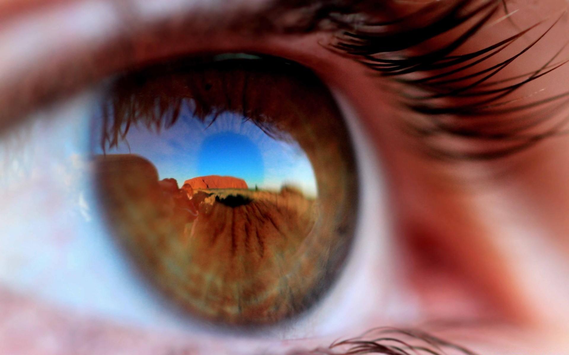 отражение света в глазах на фото македонии