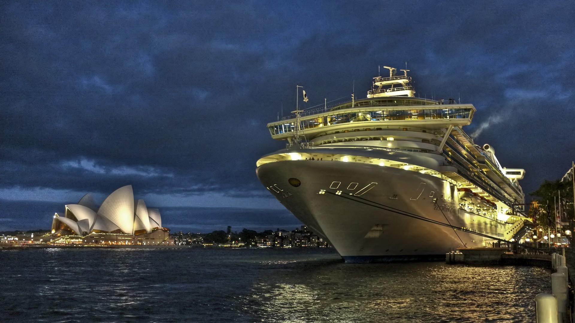 люди фотографии на рабочий стол яхты ночной порт совсем развеять сомнения