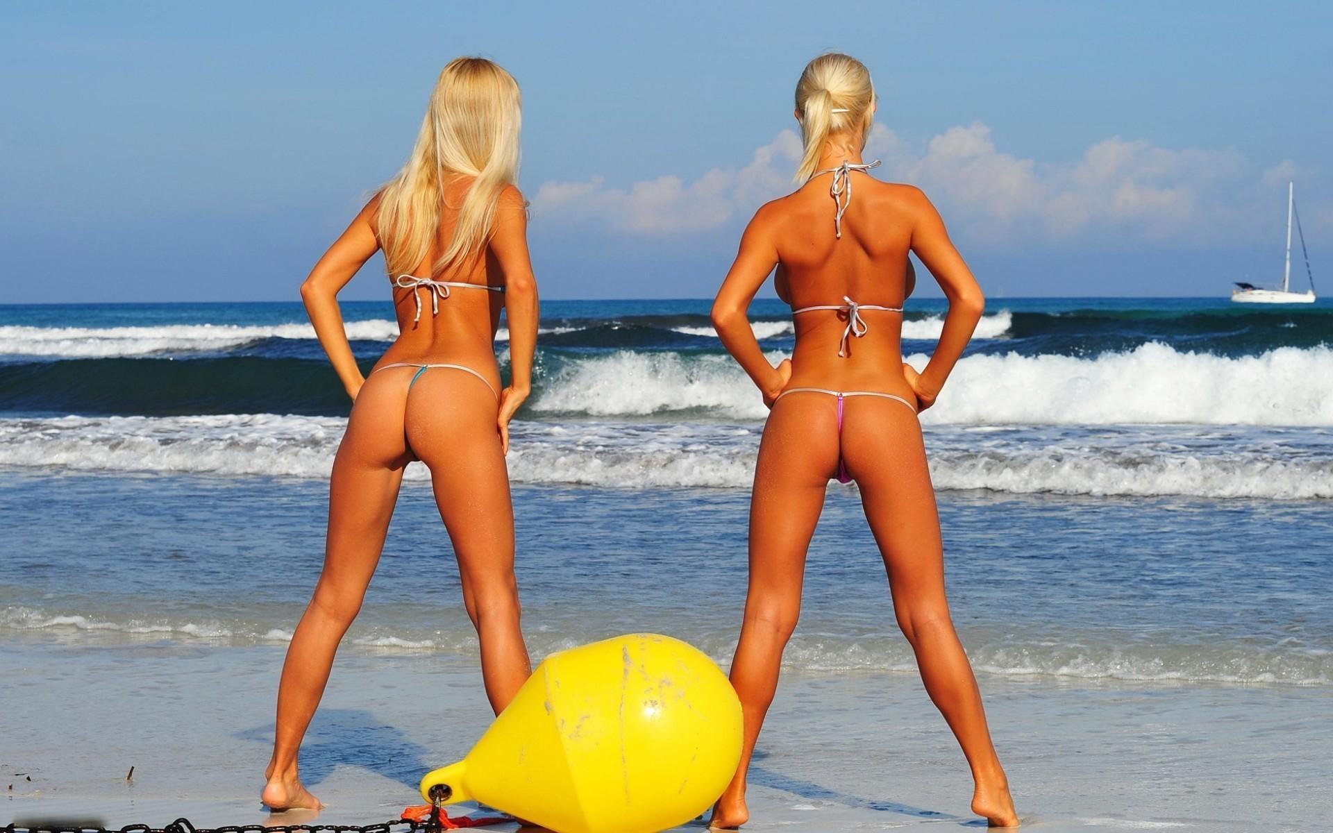 Русские телочки на пляже, Порно на пляже онлайн бесплатно в хорошем качестве 16 фотография